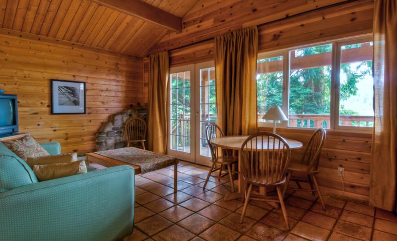 Heriot Bay Inn Cabin