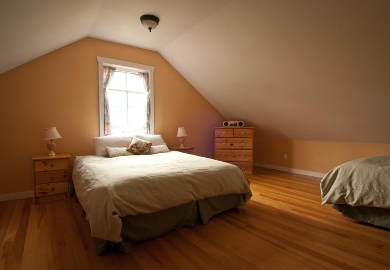 Heriot Bay Inn Room